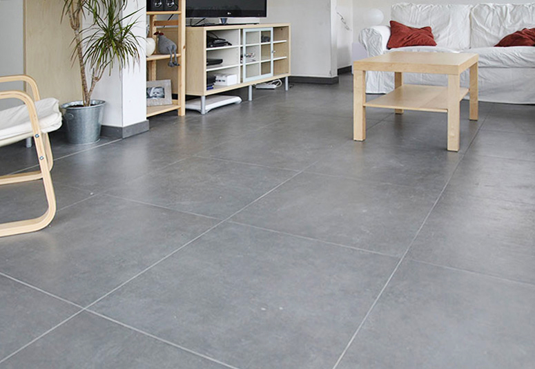 Carrelage gris brillant for Carrelage grand carreaux gris